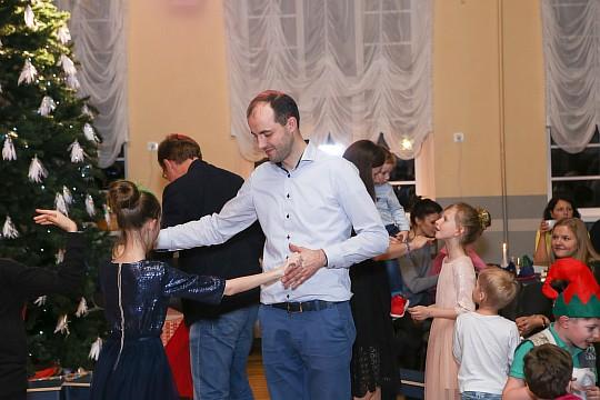 ziemassvetki_1_privata_vidusskola_Klasika_2016_32.jpg